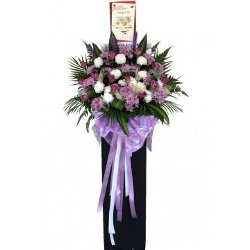 Magenta Wreath | Condolence Wreath