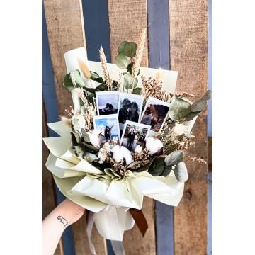 Photograph  x Cream | Polaroid Bouquet